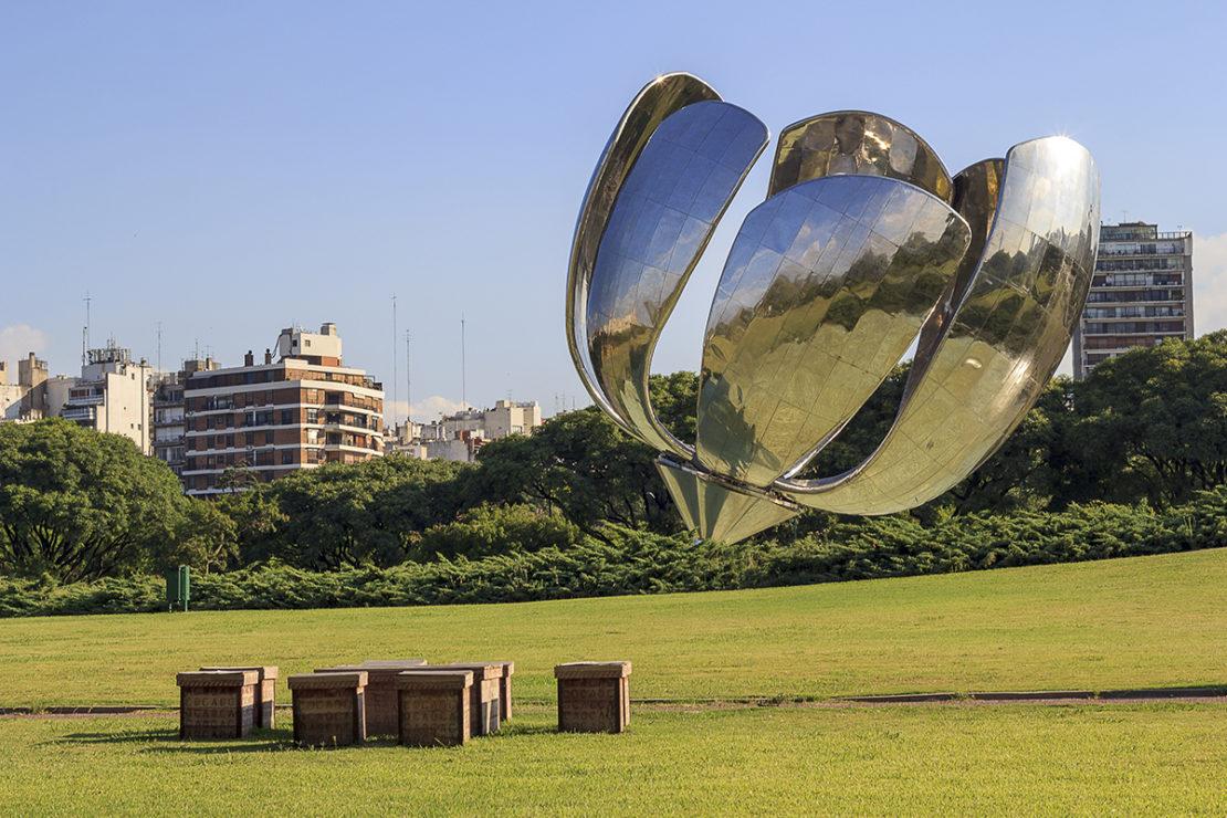 Floralis Genérica - Floral Metal Sculpture