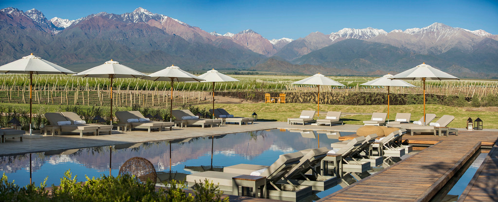 Pool with a view to the Wineries