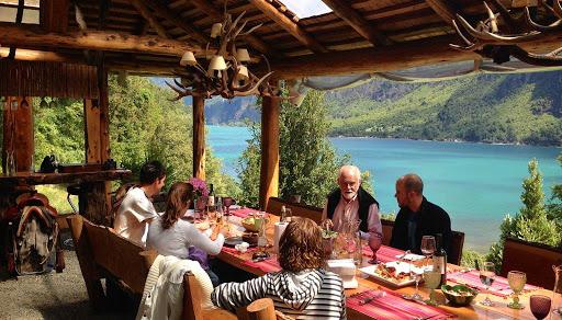 Lunch at El Barraco Lodge