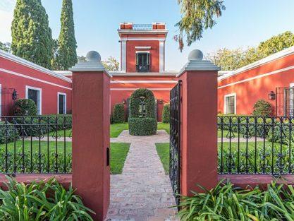Historic Estancia: La Bamba