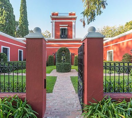 Full day visit to an historic estancia close to Buenos Aires