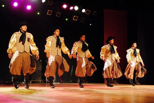 Folklore Dancing